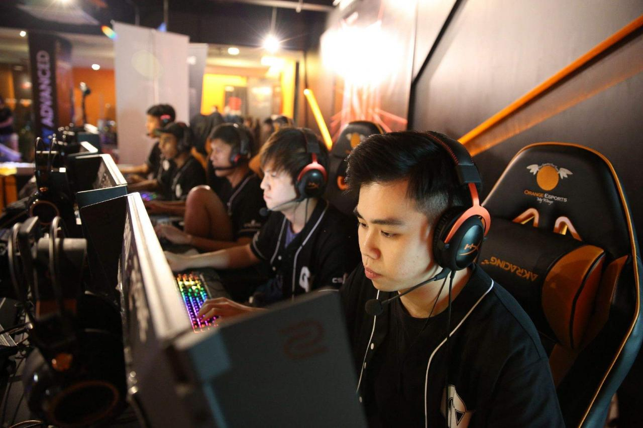 """Newzoo全球游戏报告:电竞休闲观众已达2.452亿 很多人只""""看""""游戏"""